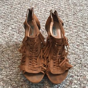 Fringe wedges